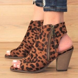 Shoes - BE STUNNING Leopard Print Bootie
